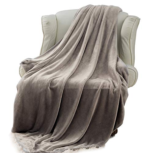 - Moonen Flannel Throw Blanket Luxurious Twin Size Lightweight Plush Microfiber Fleece Comfy All Season Super Soft Cozy Blanket for Bed Couch and Gift Blankets (Grey, 60x80 Inches)