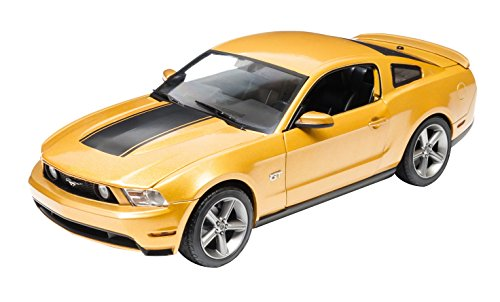 GreenLight 2010 Ford Mustang GT Diecast Vehicle, Sunset Gold Metallic, 1:18 Scale ()