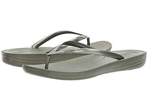 FitFlop Womens iQushion Super-Ergonomic Flip Flops Dark Olive Sandal - 9 (Green Flip Flops)