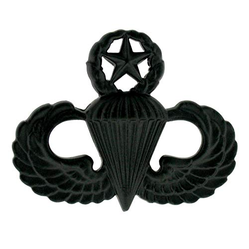 - Army Parachutist Master Badge in Black
