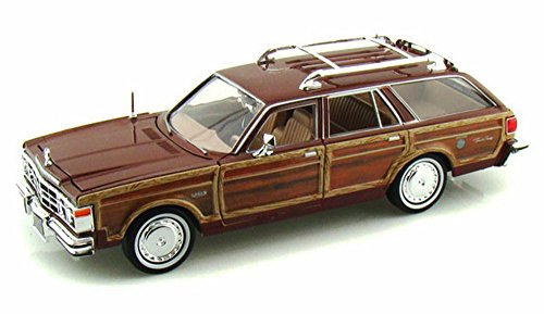 1979 Chrysler LeBaron Town & Country Wagon, Red With Woodie Siding - Showcasts 73331 - 1/24 Scale Diecast Model Car