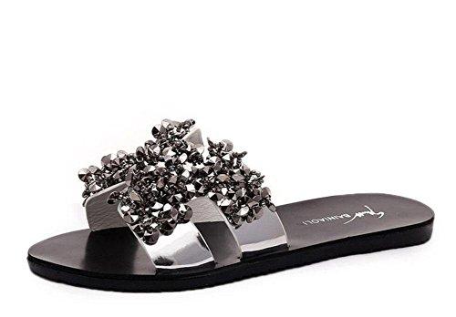 A espumosos sandalias planas de moda en forma de diamante y zapatillas sandalias femeninas de Corea Silver