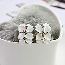 HuntGold 1 Pair Girl\'s Cute Gardenia Flower Crystal Rhinestone Ear Hoop Buckle Ear Stud(white)