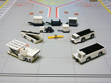 Gemini Jets 1:200 G2APS451 Boxed Set of 10 Airport Support Equipment pcs by Gemini Jets ()
