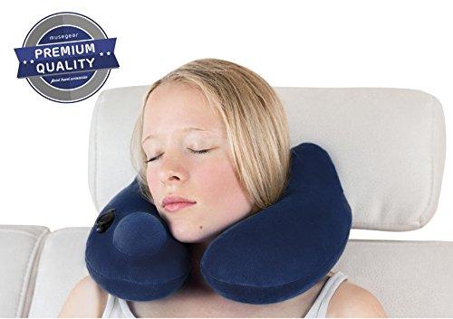 musegear pillow | Nackenkissen aufblasbar aus superweichem Fleece mit hygienischer Pumpen-Technologie | für ruhigen Reise Schlaf unterwegs in Bahn, Flugzeug, Zug | Reisekissen Nackenhörnchen