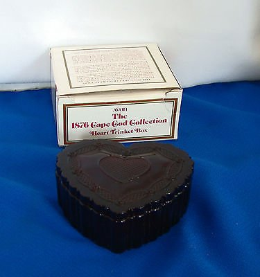 THE 1876 Cape COD Collection - Heart Trinket Jewelry Box, Avon 1989 Original (Cape Cod Jewelry Collection)
