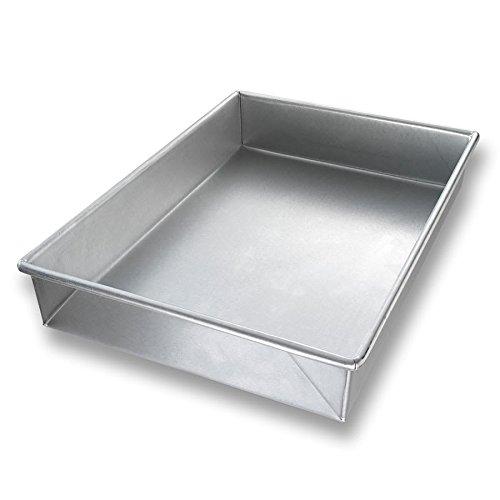 Chicago Metallic 21100 Cake Pan, 9.56 inch x 13.56 inch x 2 inch, AMERICOAT Glazed 22-ga. Aluminized Steel