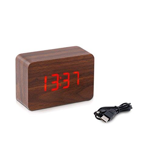 kwmobile Wecker Digital Uhr aus Holz mit Geräuschaktivierung, Temperaturanzeige und Tastaktivierung in braun