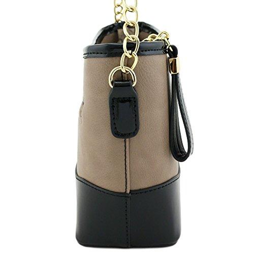 Chain Contrast Brick Trim with Strap Shoulder Bag Dark Patent Leather qnwOFZCqxr