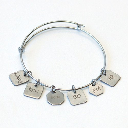 Skacel Knitting Stitch Marker Charm Bracelet with 6 Charms (Charm Knitting Markers)