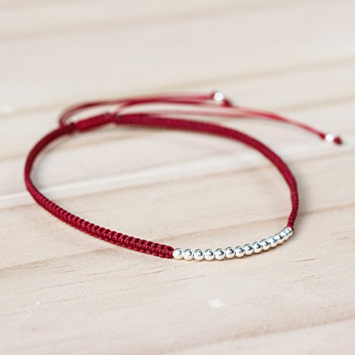 Adjustable friendship bracelet in cotton string and sterling silver beads at the center(Red) -