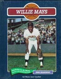 Willie Mays (Baseball Legends Series)