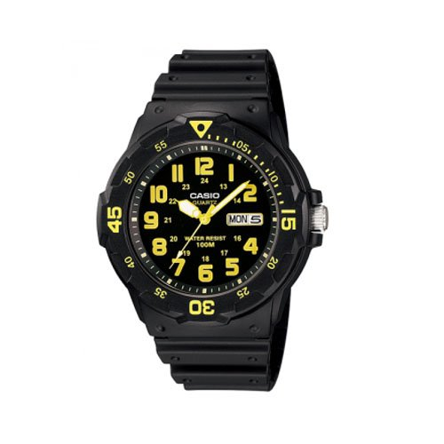 men s dive watches amazon com casio men s mrw 200h 9bvdf sports analog dive quartz black watch