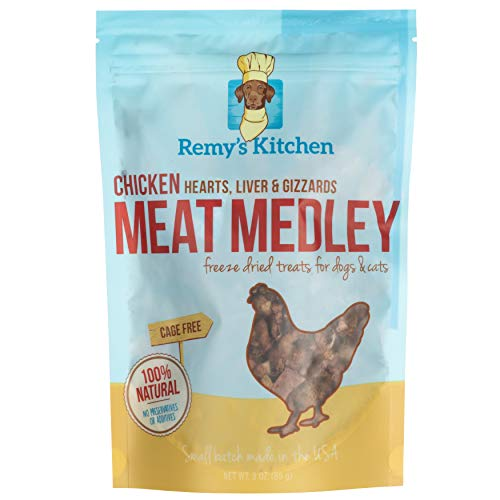 (Remy's Kitchen Chicken Meat Medley Freeze Dried Treats for Dogs and Cats )