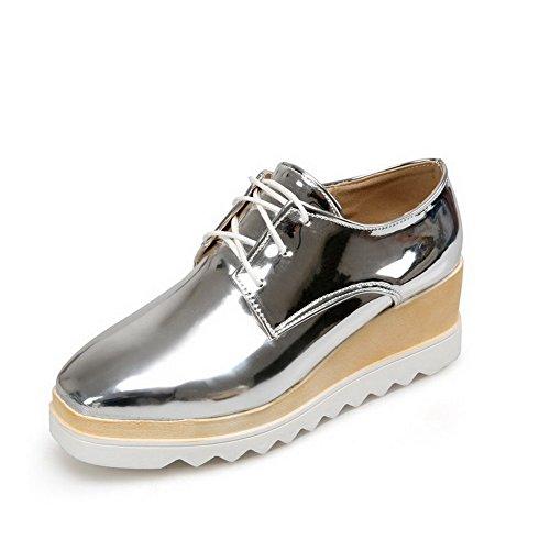 AgooLar Damen Schnüren Quadratisch Zehe Mittler Absatz Lackleder Rein Pumps Schuhe Silber