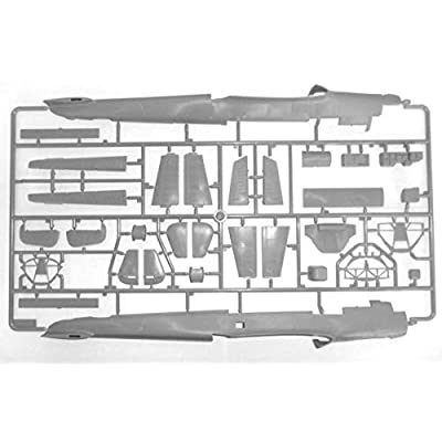 ICM Models Do 215B-4 WWII German Reconnaissance Kit: Toys & Games