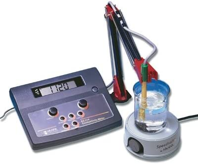 HI 2315-01 - - Multi-range Conductivity Meter with Automatic