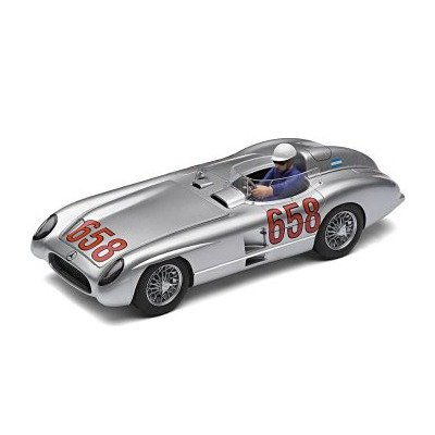 Scalextric C2814 - Mercedes 300 SLR by Scalextric