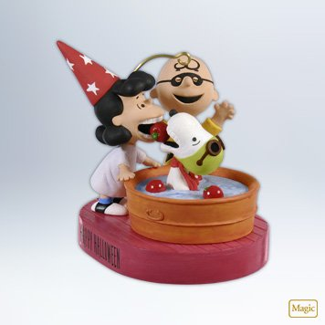 QFO5201 Bobbing for Apples The Peanuts Gang 2012 Hallmark Halloween Keepsake Ornament ()