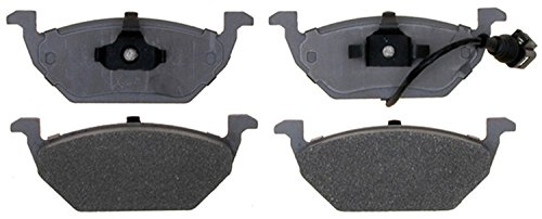 ACDelco 14D768AM Advantage Semi-Metallic Front Disc Brake Pad Set with Pigtail