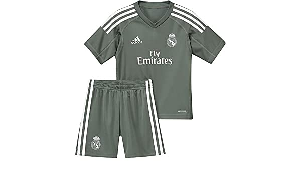 e43fab08ac5 Amazon.com   adidas 2017-2018 Real Madrid Home Goalkeeper Mini Kit   Sports    Outdoors