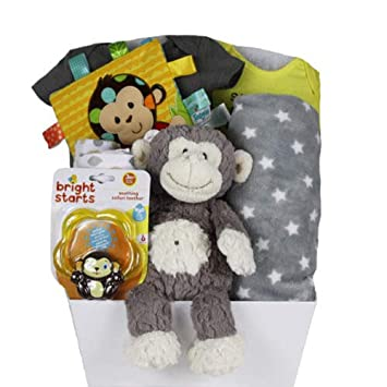 Vanias Newborn Baby Gift Basket Sweet Neutral Gift Baby Gift Sets for Baby Shower /& Newborn Baby Essentials