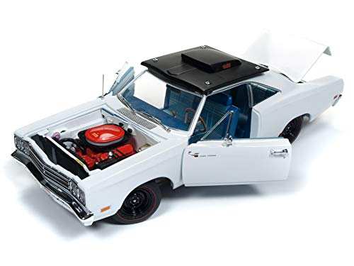 (1969 Plymouth Road Runner Post Coupe White Hemmings Muscle Machines Limited Edition to 1002 Pieces Worldwide 1/18 Diecast Model Car by Autoworld AMM1147)