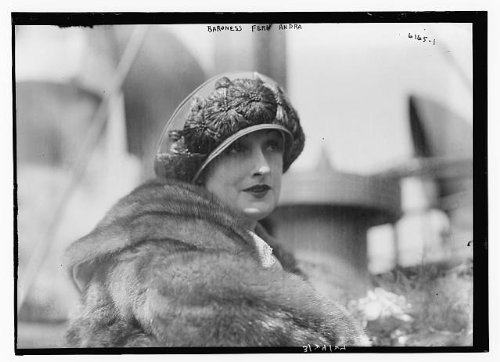 Photo: Baroness Fern Andra,actress,film director,script writer,producer,fur coats,1924