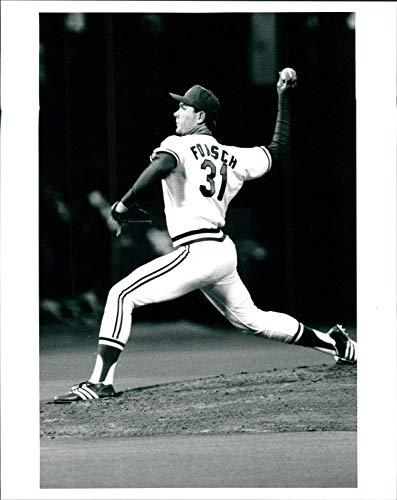 (Vintage Photos 1988 Press Photo Sports Bob Forsch St Louis Cardinals League Pitcher Ball 8x10)