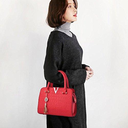 V Shoulder Leather Design Red Messenger Bag Alligator Pattern for Vintage Handbags Ladies Tassel Tote Women Letters Saihui Crossbody Bags Bags 8xBXv