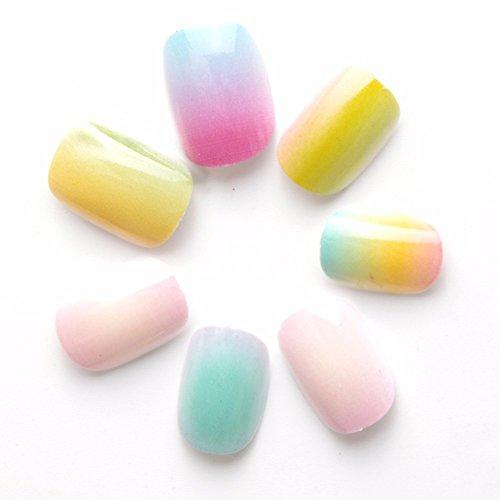 24 Pcs Gradient Color Rainbow Children False Nails Pre-glue Press on Fake Nails Tips for Kits Little Girls]()