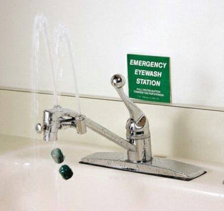 (Emergency Eyewash Station, Faucet Mounted, Continuous Flow)