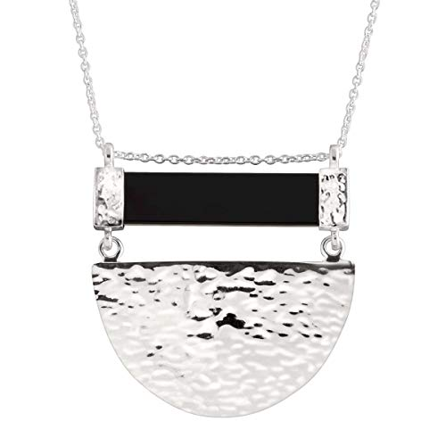 Silpada 'Modern Contrast' Natural Agate Hammered Half Circle Pendant Necklace in Sterling ()
