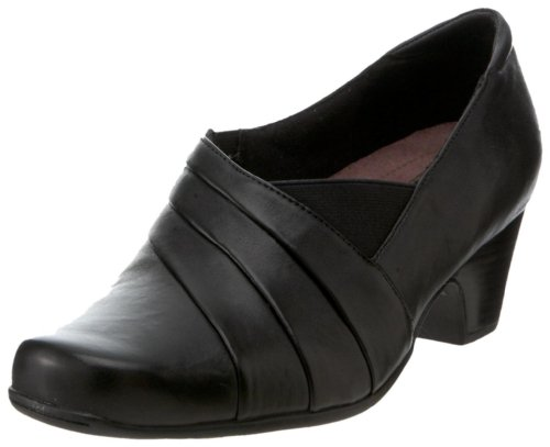 Clarks Women's Sugar Spice Loafer,Black Leather,9.5 XW ()