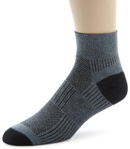 Wrightsock Men's Coolmesh II Quarter Single Socks, Grey, Sock Size:10-13/Shoe Size: 6-12 - Anti Blister Double Layer Cool