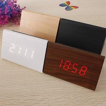 Madera triangular reloj despertador LED de madera del reloj termómetro digital: Amazon.es: Electrónica