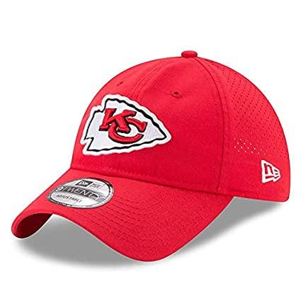 2f7eaaee9 Amazon.com  New Era Kansas City Chiefs 2017 Training Camp Official 9TWENTY  Adjustable Hat  Sports   Outdoors
