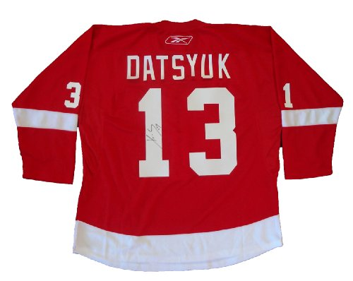 Pavel-Datsyuk-Autographed-Detroit-Red-Wings-Red-Jersey-WPROOF-Picture-of-Pavel-Signing-For-Us-Detroit-Red-Wings-Stanley-Cup-Champions-Team-Russia