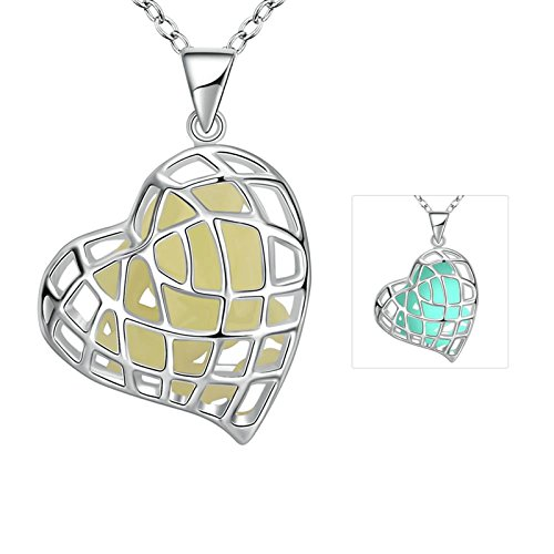 (Aokarry Personality Heart Trendy Fashion Glow in Dark Pendant for Her)