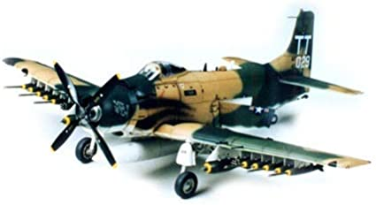 Tamiya A-1J Skyraider 61073