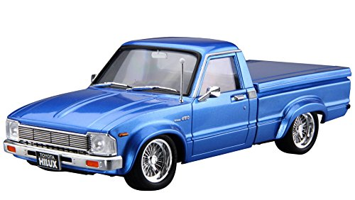 Aoshima 1/24 Tuned Car No.30 RN30 Hilux Custom 1978(Toyota) Model Kit(Japan Import)