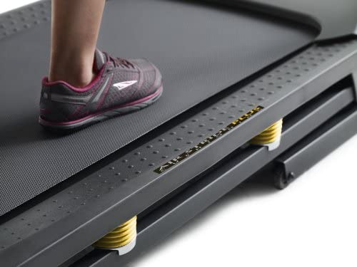 Gold's Gym Trainer 720 Treadmill 7