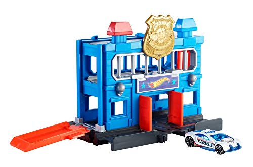Hot Wheels City Downtown Police Station Breakout Playset ()