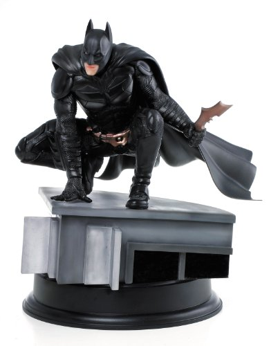 Dragon Models The Dark Knight Rises: Batman 1:9 Scale Action Hero Vignette (Dark Knight Collection)