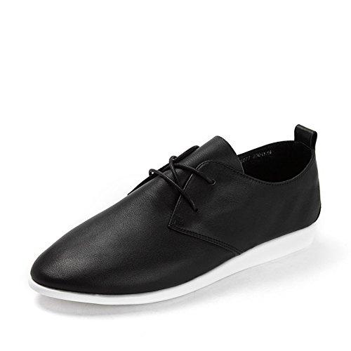 La Sra señaló los zapatos planos del cordón/zapatos ocasionales del talón bajo B