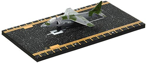 (Hot Wings AV-8B Harrier (Green) with Connectible Runway Die Cast Plane )