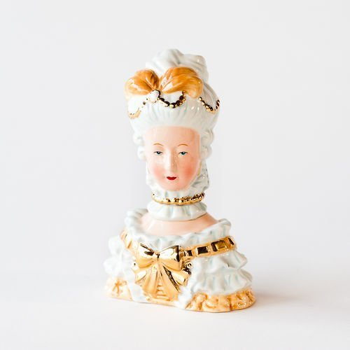- 180 Degrees Ceramic Marie Antoinette Salt And Pepper Shaker In Gift Box
