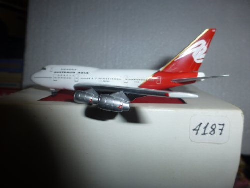 aircraft-model-4187-australia-asia-airlines-boeing-b-747-sp38