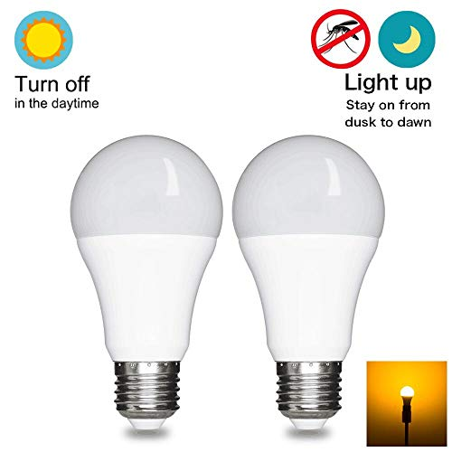 Dusk To Dawn Light Bulb Led Outdoor Lighting Sensor Smart Yellow Bug Light Bulb, 7W 60W Equivalent, E26 2000k,Automatic On Off 2 Pack