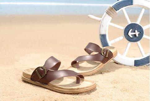 JiZhi Uomo scarpe / pantofole estate / sandali / ciabatte / antiscivolo / piedi della clip / scarpe da spiaggia / casuali tallone piano / marrone e nero / Walking , brown , 42